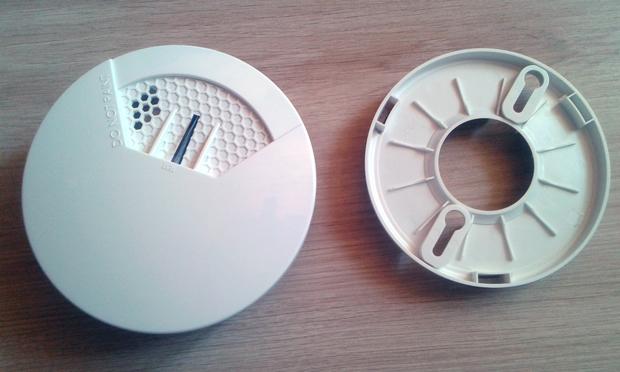 le d tecteur de fum e popp un d tecteur z wave avec sonde de temp rature incluse. Black Bedroom Furniture Sets. Home Design Ideas