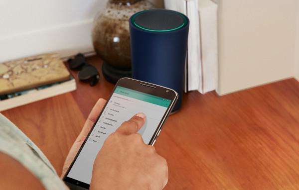 Google OnHub et smartphone