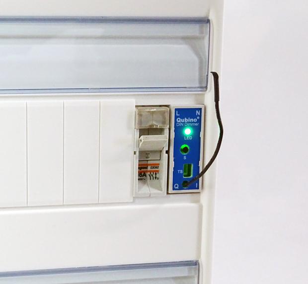 Module variateur DIN Z-Wave dans le tableau électrique