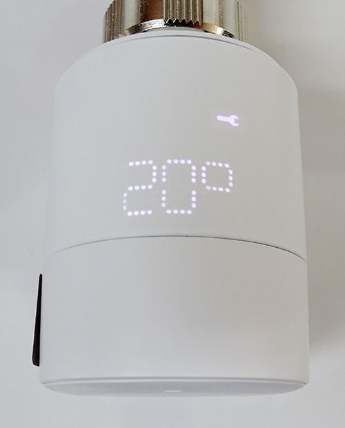 Vue de l'écran LED de la tête thermostatique Tado°