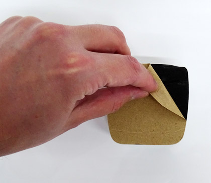 Boitier RFID de la serrure connectée Somfy : système de fixation